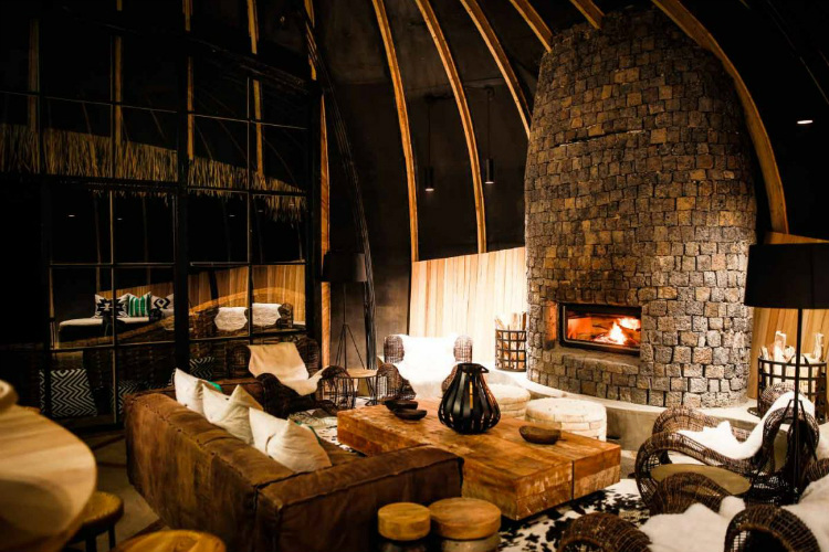 AHEAD Awards ahead awards AHEAD Awards: The incredible winning spaces and designers Wilderness Safaris BisateLodgecDavidCrookes room header