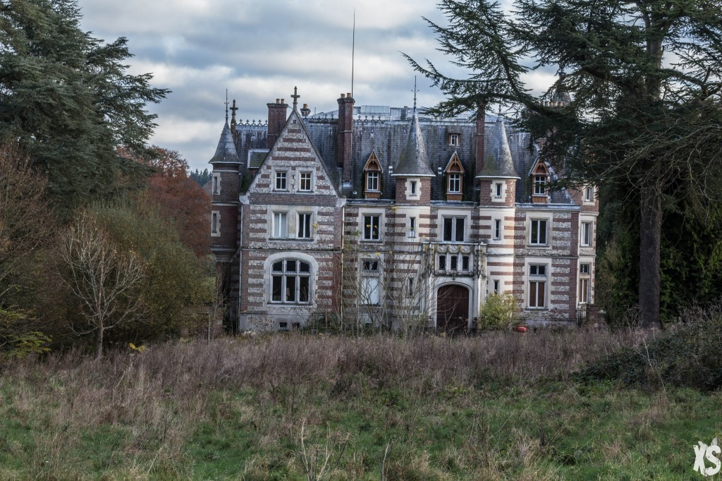abandoned 5 Abandoned Places to Discover in France chateau lamare 2 1024x682