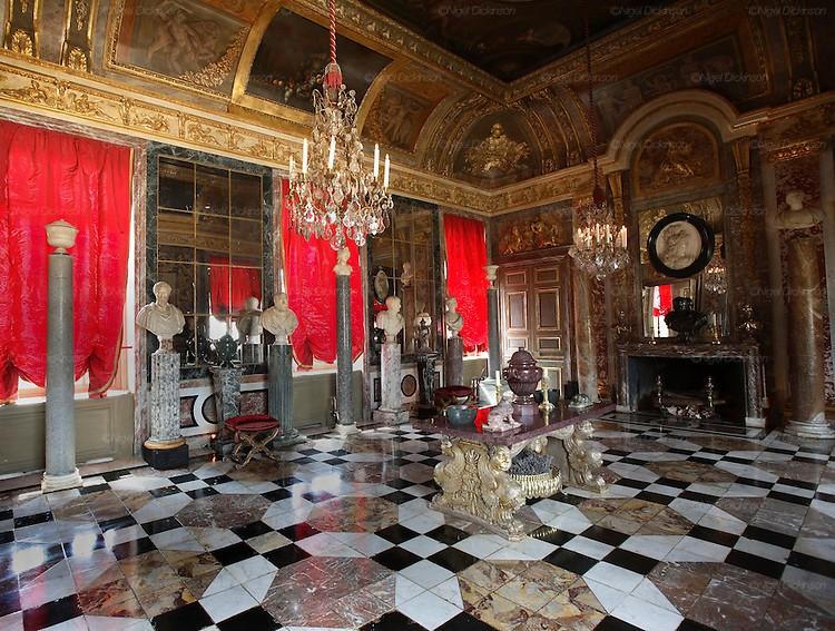 Top 20 Interior Designers Paris -Jacques Garcia interior designers Top 20 Interior Designers Paris Jacques Garcia bataille021