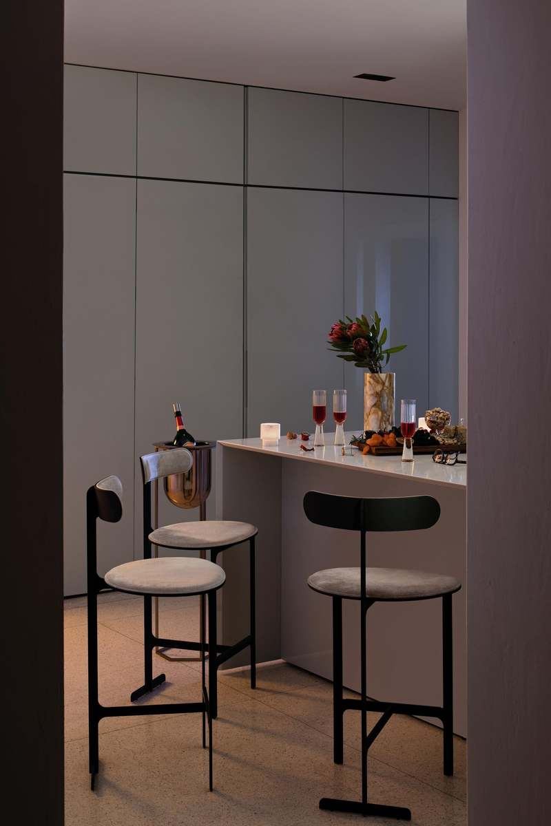 15 Stylish Bar Chairs That Will Dominate 2021 bar chairs 15 Stylish Bar Chairs That Will Dominate 2021 park palace